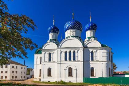 Святая Русь, Баташев 4* ( 3 дня,  автобусный тур), праздничный заезд