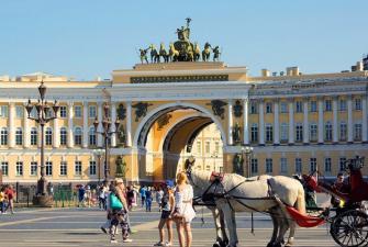 Лето в Санкт-Петербурге ( 5 дней, автобусный тур )