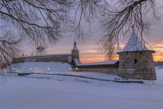 Рождество в Пскове и Великом Новгороде (3 дня + ж/д)