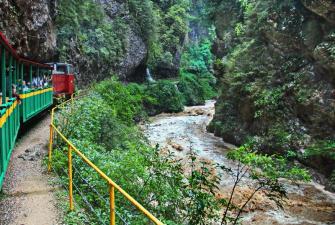 Майские каникулы на геотермальных источниках ( 8 дней + авиа или ж/д )