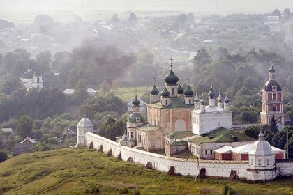 Монастырская сказка Переславля (авторская экскурсия Валерия Страхова)
