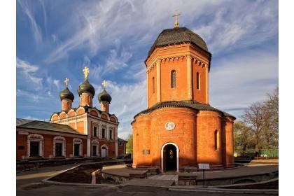 В монастырь под сенью ночи (с вечерней экскурсией по Высоко-Петровскому монастырю  и чаепитием в трапезной)
