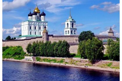 Большая Псковская энциклопедия (4 дня + ж/д, с 26.04 по 03.10.2021)