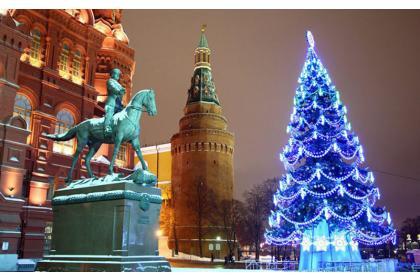 В Столицу! В Свет! В Москву! На праздник! (экскурсия по вечерней Москве в компании Деда Мороза с шампанским и посещением выставки ледяных скульптур)