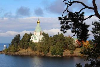 Незабываемые дни на берегах Невы (май-октябрь, 6 или 7 дней + ж/д)